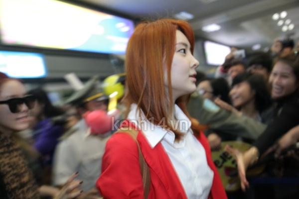 T-Ara rạng rỡ xuất hiện tại Hà Nội giữa vòng vây của fan 6
