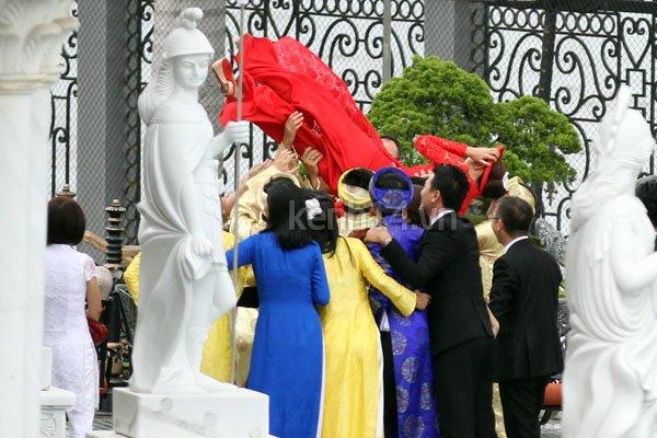 """Ảnh và clip độc: Bạn bè """"tung hứng"""" vợ chồng Tăng Thanh Hà 4"""