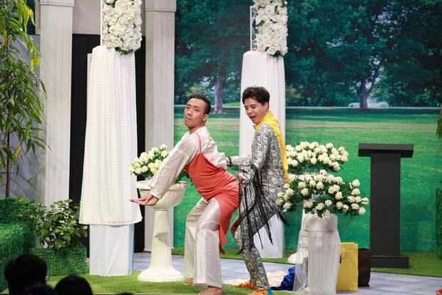 Trịnh Thăng Bình đá xoáy Trấn Thành 3D mà vẫn cưới vợ được - Ảnh 4.
