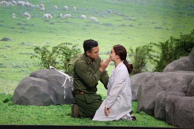 Trịnh Thăng Bình đá xoáy Trấn Thành 3D mà vẫn cưới vợ được - Ảnh 10.