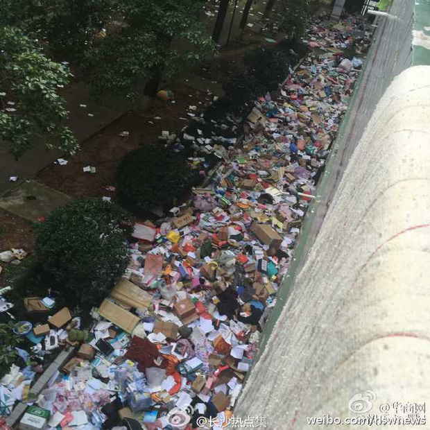 Không thể tin nổi bãi rác này chính là ký túc xá của sinh viên Trung Quốc! - Ảnh 7.