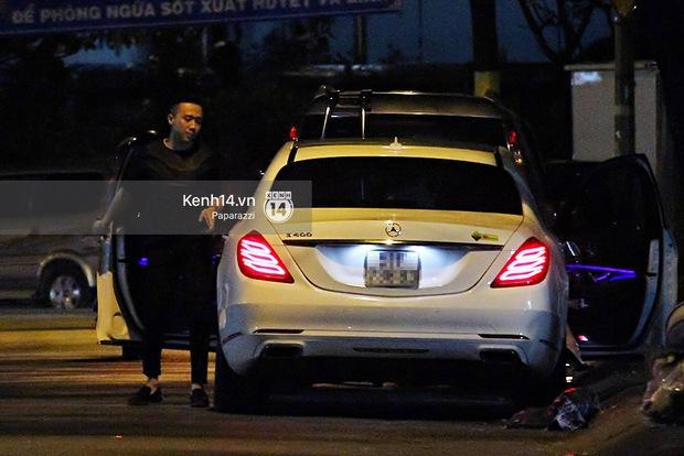 Sau sự kiện, Trấn Thành - Hari Won đi ăn đêm ở quán lề đường cùng bạn đến nửa đêm - Ảnh 4.