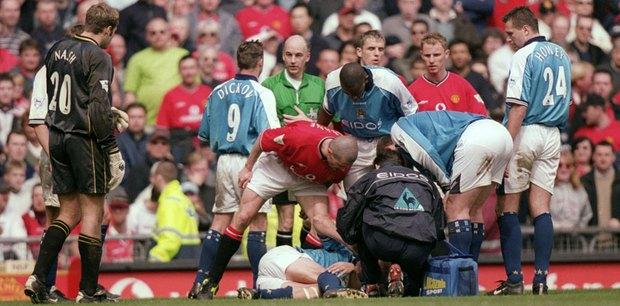 Roy Keane: Gã du côn ở Old Trafford - Ảnh 5.