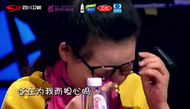 Gặp gỡ cậu bé 7 tuổi từng hát tặng người cha nghiện smartphone khiến người dân Trung Quốc chấn động - Ảnh 3.