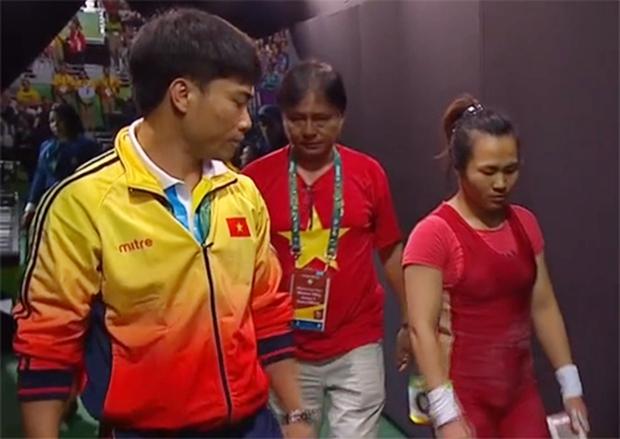 Nữ lực sĩ Việt Nam tan mộng huy chương Olympic vì quyết định khó hiểu của trọng tài - Ảnh 2.