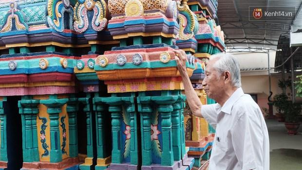 Úp mặt trò chuyện với tường đá trong ngôi đền Ấn giáo trăm năm tuổi ở Sài Gòn - Ảnh 8.