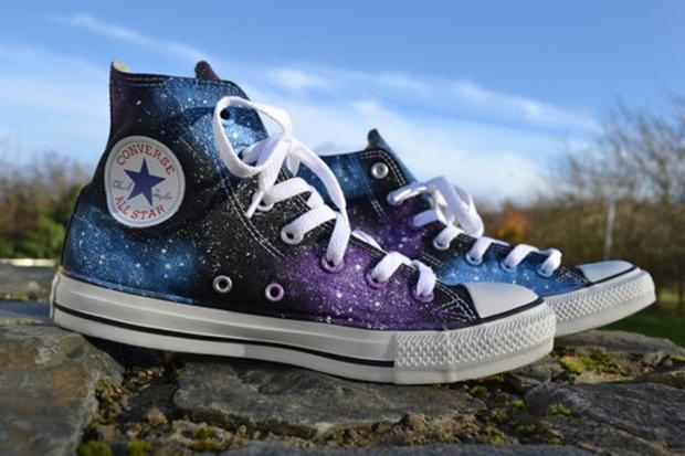 Bộ sưu tập 6 mẫu giày họa tiết dải ngân hà chất chơi dành cho fan của bộ môn chiêm tinh - Ảnh 6.