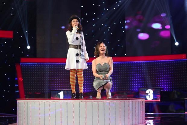 Hương Tràm, Cao Thái Sơn phát hiện ra 2 cô gái xinh đẹp mà hát dở thôi rồi! - Ảnh 4.