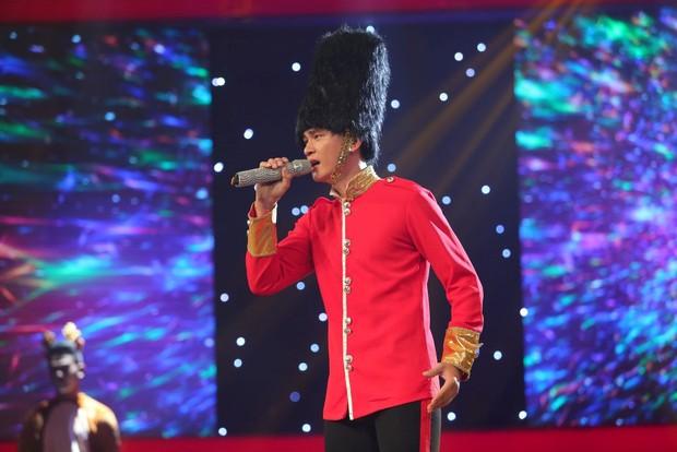 Hương Tràm, Cao Thái Sơn phát hiện ra 2 cô gái xinh đẹp mà hát dở thôi rồi! - Ảnh 14.
