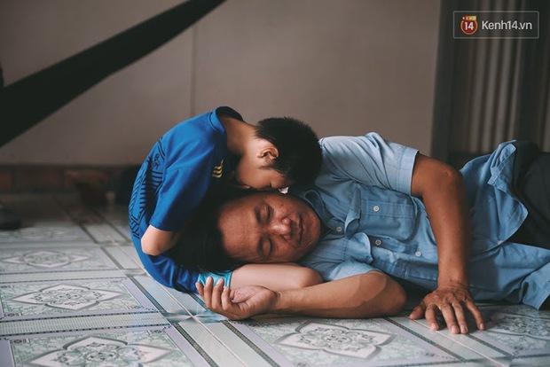 Đừng nóng, con ơi... - câu chuyện tình yêu của người cha đơn độc nuôi 2 đứa con bại não - Ảnh 18.