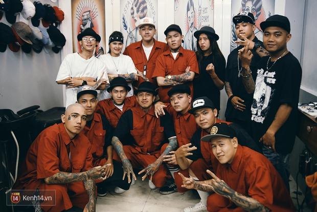 Khám phá tiệm cắt tóc chất chơi nhất Sài Gòn của những chàng barber xăm trổ đầy mình - Ảnh 18.