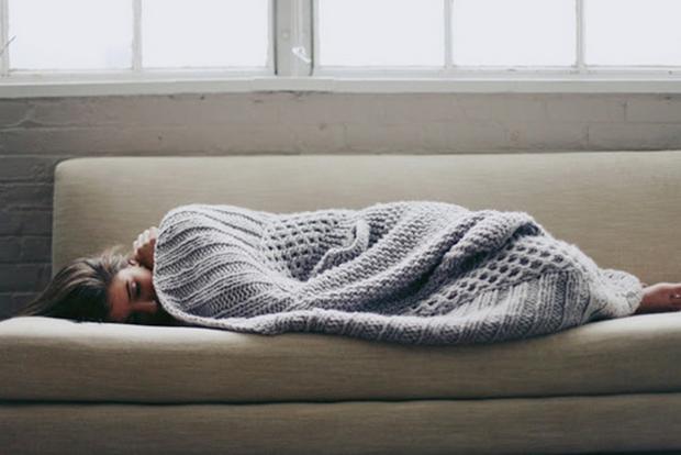 Những bệnh nguy hiểm cực dễ mắc khi thời tiết đột ngột chuyển lạnh - Ảnh 3.