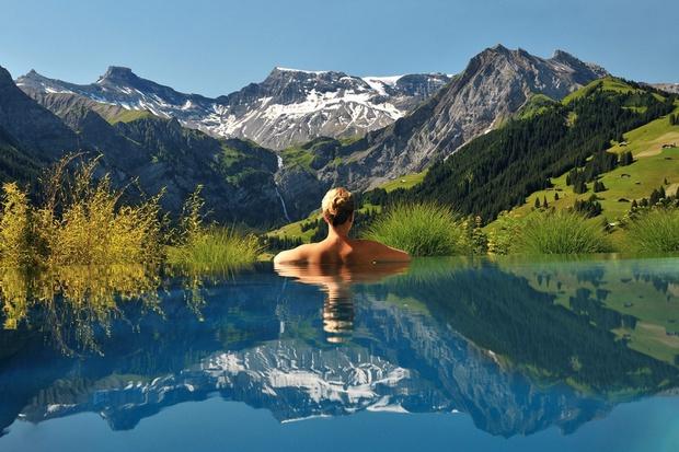 18 bể bơi sang chảnh khắp thế giới dành cho giới nhà giàu - Ảnh 21.