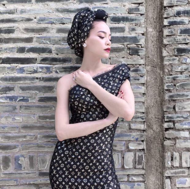 Phục sát đất tài biến khăn thành váy áo của sao Việt - Ảnh 3.