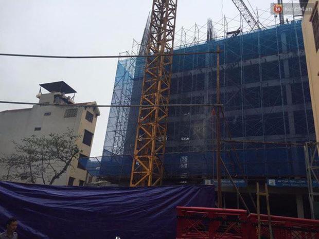 Hà Nội: Sập giàn giáo công trình, 2 công nhân tử vong tại chỗ - Ảnh 1.