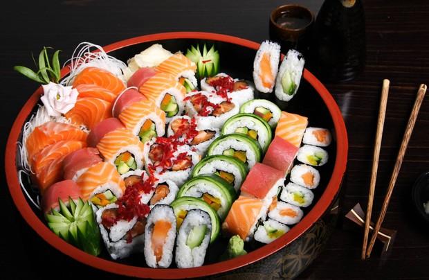 Ăn sushi như nào mới đúng chuẩn của người Nhật - bạn biết không? - Ảnh 1.