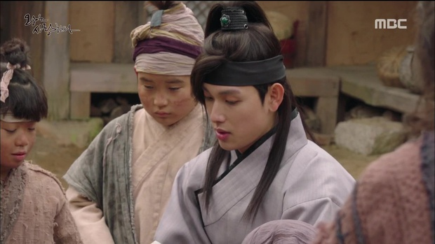 Nhìn cách Siwan miêu tả ngoại hình của Yoona, ai cũng thấy... sai sai - Ảnh 15.