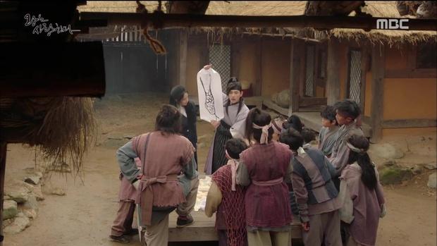 """""""The King Loves"""" tập 7- 8: Nhìn cách Siwan miêu tả ngoại hình của Yoona, ai cũng thấy... sai sai - Ảnh 16."""
