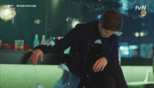 """""""Goblin"""" tập 12 đầy kịch tính: Mọi lá bài quan trọng đều đã được lật, kể cả """"Thần"""" Sung Jae! - Ảnh 12."""