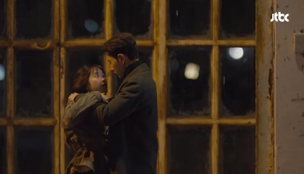 Hot boy ngân hàng Song Joong Ki xuất hiện, cho Park Hae Jin vay 100 tỉ! - Ảnh 27.