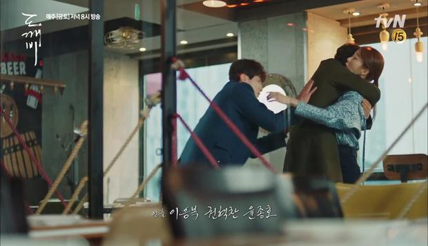 """""""Goblin"""": Xuất hiện thây ma đội mồ sống dậy, đe dọa cô dâu của Gong Yoo - Ảnh 25."""
