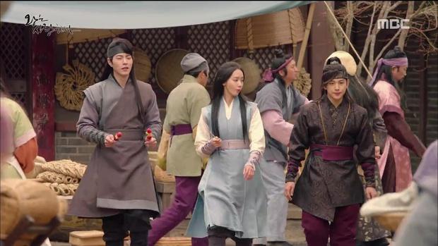 """""""The King Loves"""" tập 7- 8: Nhìn cách Siwan miêu tả ngoại hình của Yoona, ai cũng thấy... sai sai - Ảnh 6."""