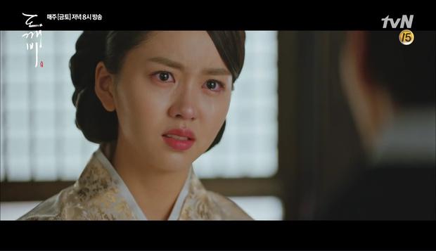 """""""Goblin"""": Xuất hiện thây ma đội mồ sống dậy, đe dọa cô dâu của Gong Yoo - Ảnh 35."""