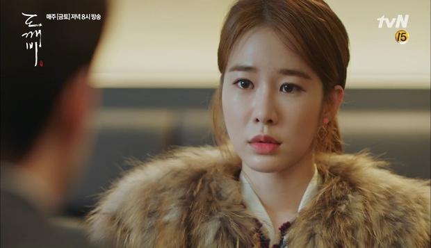 """""""Goblin"""": Xuất hiện thây ma đội mồ sống dậy, đe dọa cô dâu của Gong Yoo - Ảnh 38."""