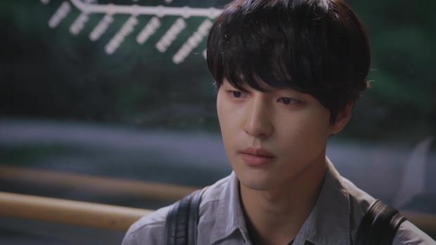 Nam chính kề môi Seo Hyun Jin bị chê quá thua thiệt nam thứ - Ảnh 9.