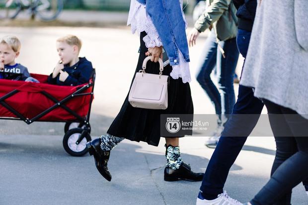 Nếu nghĩ street style tại Paris Fashion Week chỉ là cuộc chiến váy áo thì bạn nhầm to rồi - Ảnh 8.