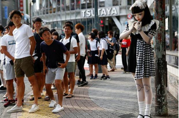 Chân dung búp bê sống tại Nhật Bản: Khi ranh giới giữa người và búp bê gần như bị xóa nhòa - Ảnh 1.