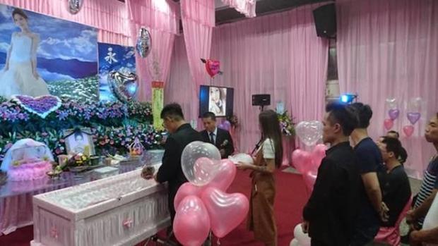 Hôn thê đang mang thai qua đời vì tai nạn giao thông, người đàn ông chung tình biến lễ viếng thành buổi lễ đính hôn - Ảnh 5.