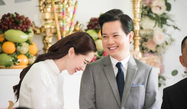Hé lộ thiệp cưới giản dị của cặp đôi Hoa hậu Đặng Thu Thảo và doanh nhân Trung Tín - Ảnh 2.