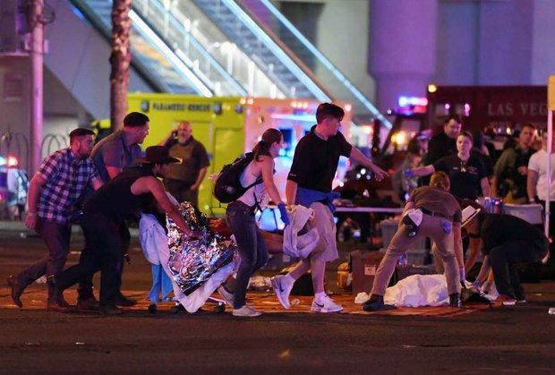 Nhìn lại những hình ảnh thảm khốc vụ xả súng khiến gần 600 người thương vong: Nỗi đau nước Mỹ không bao giờ quên - Ảnh 2.