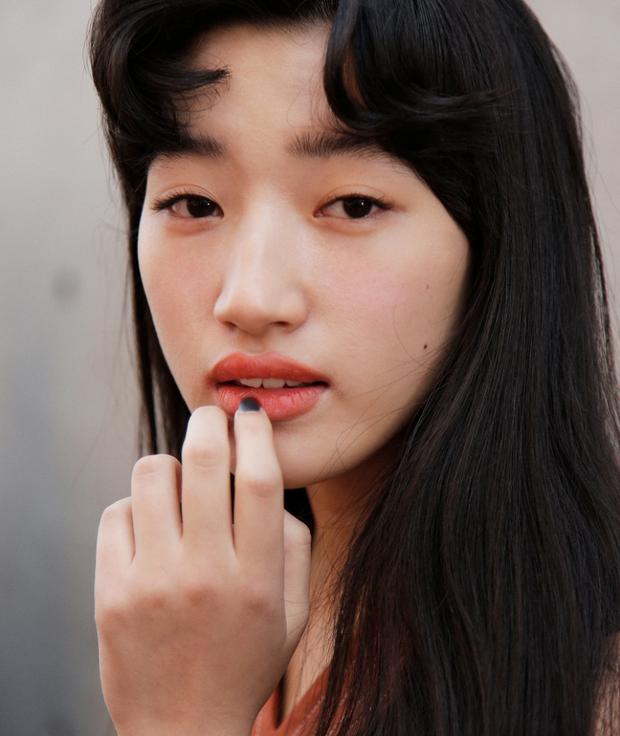 10 xu hướng makeup mùa thu tuyệt đẹp từ sàn runway con gái châu Á có thể áp dụng ngon ơ - Ảnh 25.