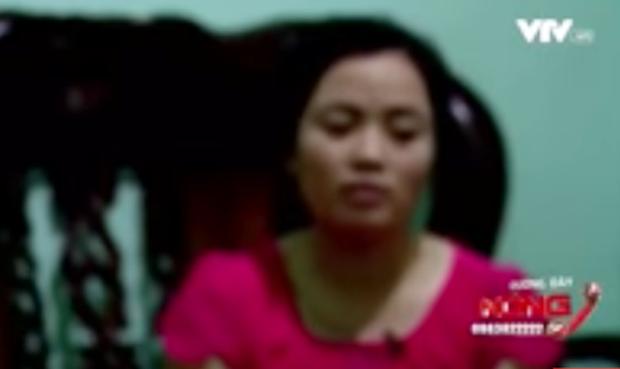 Clip: Phụ huynh ở Lâm Đồng bức xúc vì 10 bé gái bị con trai cô giáo xâm hại tình dục - Ảnh 2.