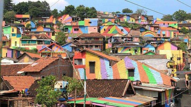 Khu ổ chuột ở Indonesia bỗng lột xác chỉ sau thời gian ngắn, du khách tấp nập ghé thăm - Ảnh 22.
