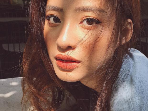 4 cô nàng Việt sở hữu đôi môi dày mọng nhìn là muốn cắn - Ảnh 9.
