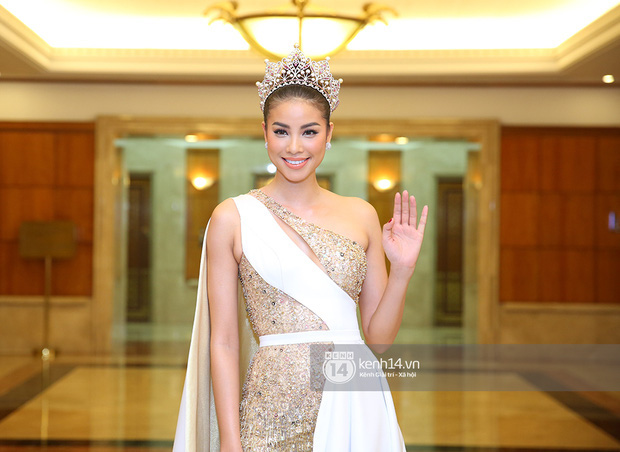 BTC Hoa hậu Hoàn vũ Việt Nam 2017 nói gì về việc Phạm Hương đến trễ hơn 1 tiếng? - Ảnh 1.