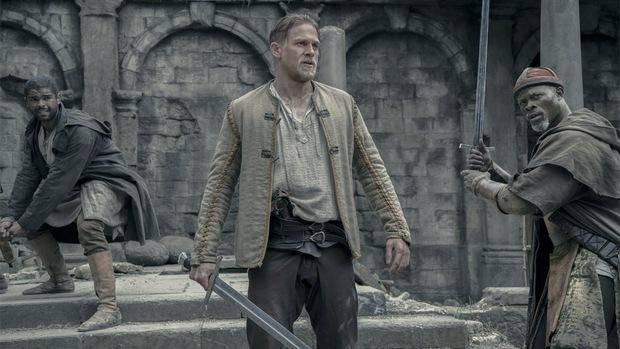 """7 lí do """"King Arthur: Legend of the Sword"""" """"sấp mặt"""" tại phòng vé - Ảnh 2."""