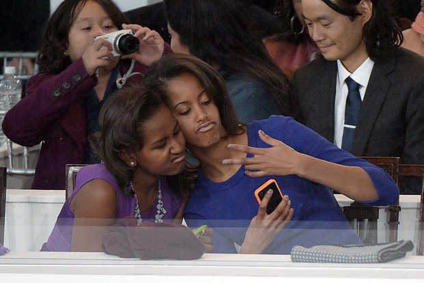 Những khoảnh khắc đáng nhớ bên vợ con của Tổng thống Obama trong 8 năm đương nhiệm - Ảnh 25.