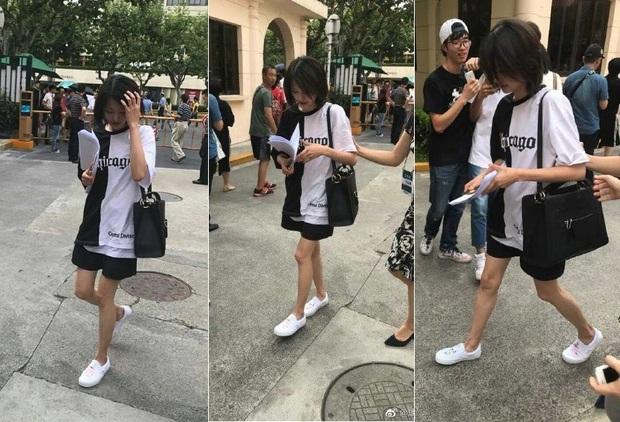 Bận quần đùi ra sân bay, đi sự kiện không thèm makeup, nữ thần học đường Trịnh Sảng ngày một xuề xòa khó hiểu - Ảnh 14.