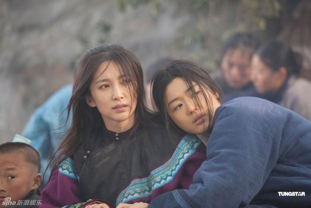Top đầu Hàn Quốc về nhan sắc, Jeon Ji Hyun vẫn bị dìm thê thảm khi đứng cạnh Lý Băng Băng - Ảnh 10.