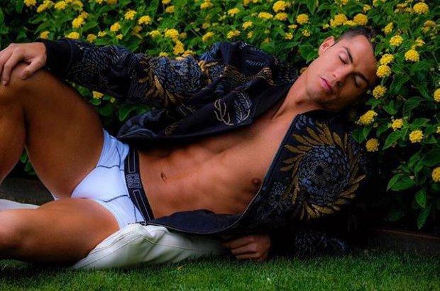 Ronaldo ngủ như thế nào để luôn tràn đầy năng lượng? - Ảnh 1.