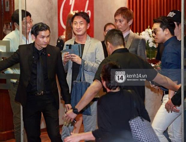 Seungri bảnh bao dùng bữa tối tại một nhà hàng, fan đồng loạt hát hit của Big Bang - Ảnh 2.