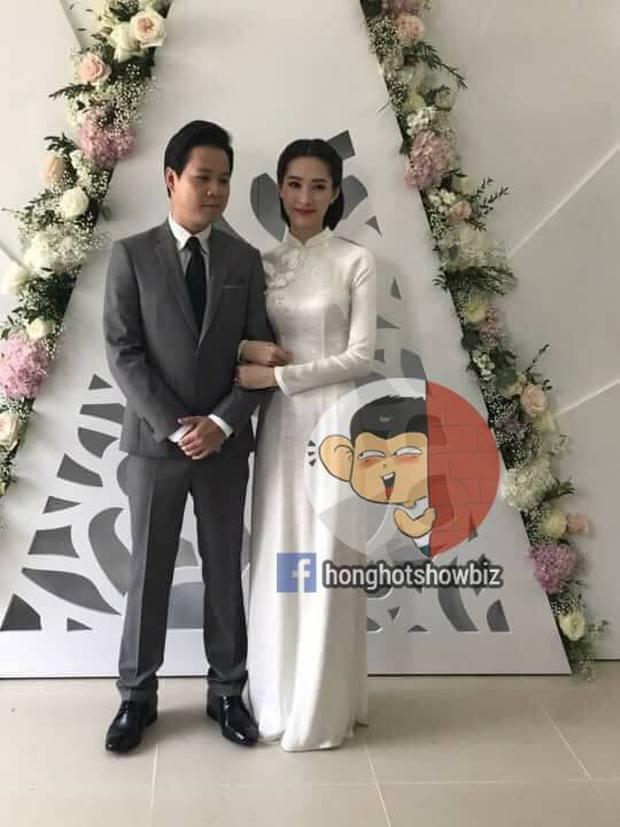 Hoa hậu Đặng Thu Thảo rạng rỡ bên doanh nhân Trung Tín trong đám hỏi bí mật tổ chức tại nhà riêng - Ảnh 1.