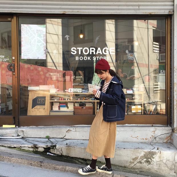 Không theo style đại trà của hot girl Hàn, cô nàng này sẽ khiến bạn xuýt xoa vì cách ăn mặc hay ho không chịu nổi - Ảnh 14.