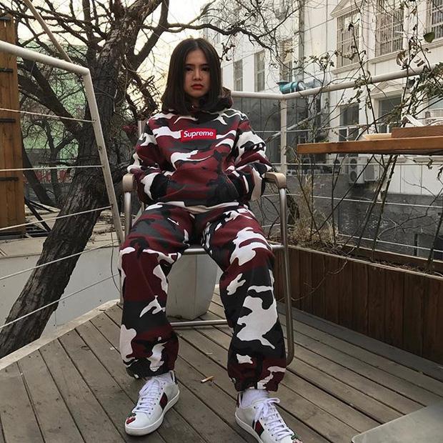 Feifei - cô nàng 20 tuổi được bố mẹ cho hơn 200 triệu đồng/tháng chỉ để mua đồ streetwear - Ảnh 9.