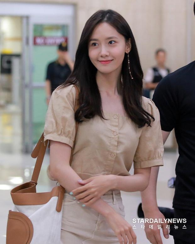 Cuộc chiến nhan sắc sân bay: SNSD có đủ sức đánh bại được chân dài đình đám Seolhyun (AOA)? - Ảnh 3.