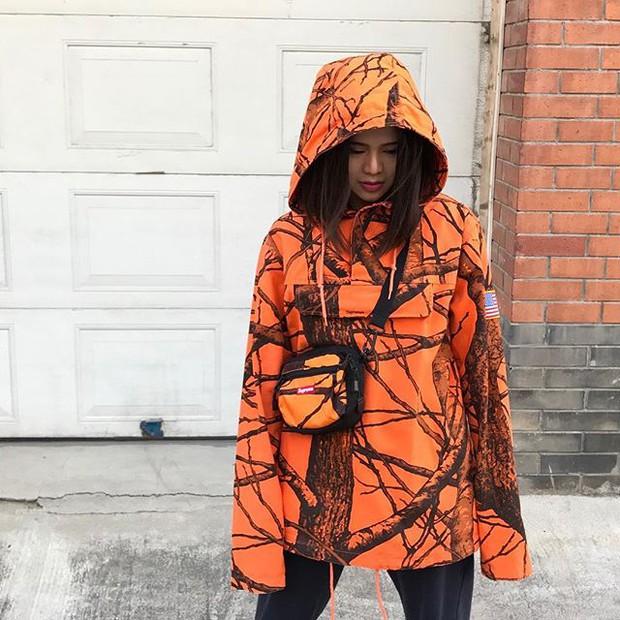 Feifei - cô nàng 20 tuổi được bố mẹ cho hơn 200 triệu đồng/tháng chỉ để mua đồ streetwear - Ảnh 10.
